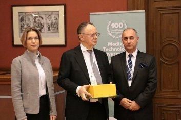 Elismerésben részesülők - Zettwitz Sándor - 77 Elektronika Kft. ügyvezető igazgatója